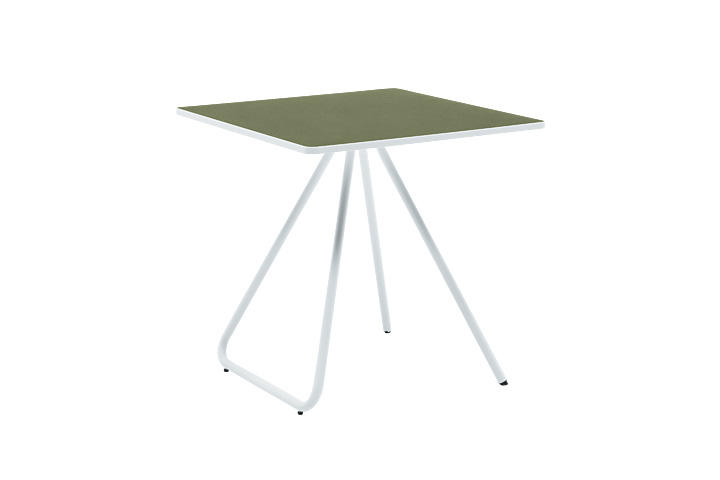 005 TABLE W750